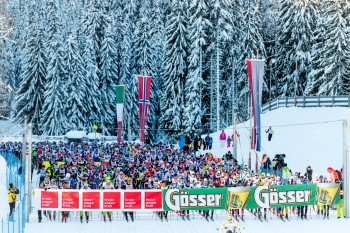 20.01.2018, Loipe Obertilliach, AUT, 44. Dolomitenlauf, Classicrace, im Bild Start // during the 44th Dolomitenlauf Classicrace at Obertilliach, Austria on 2018/01/20, EXPA Pictures © 2018 PhotoCredit: EXPA/ Michael Gruber
